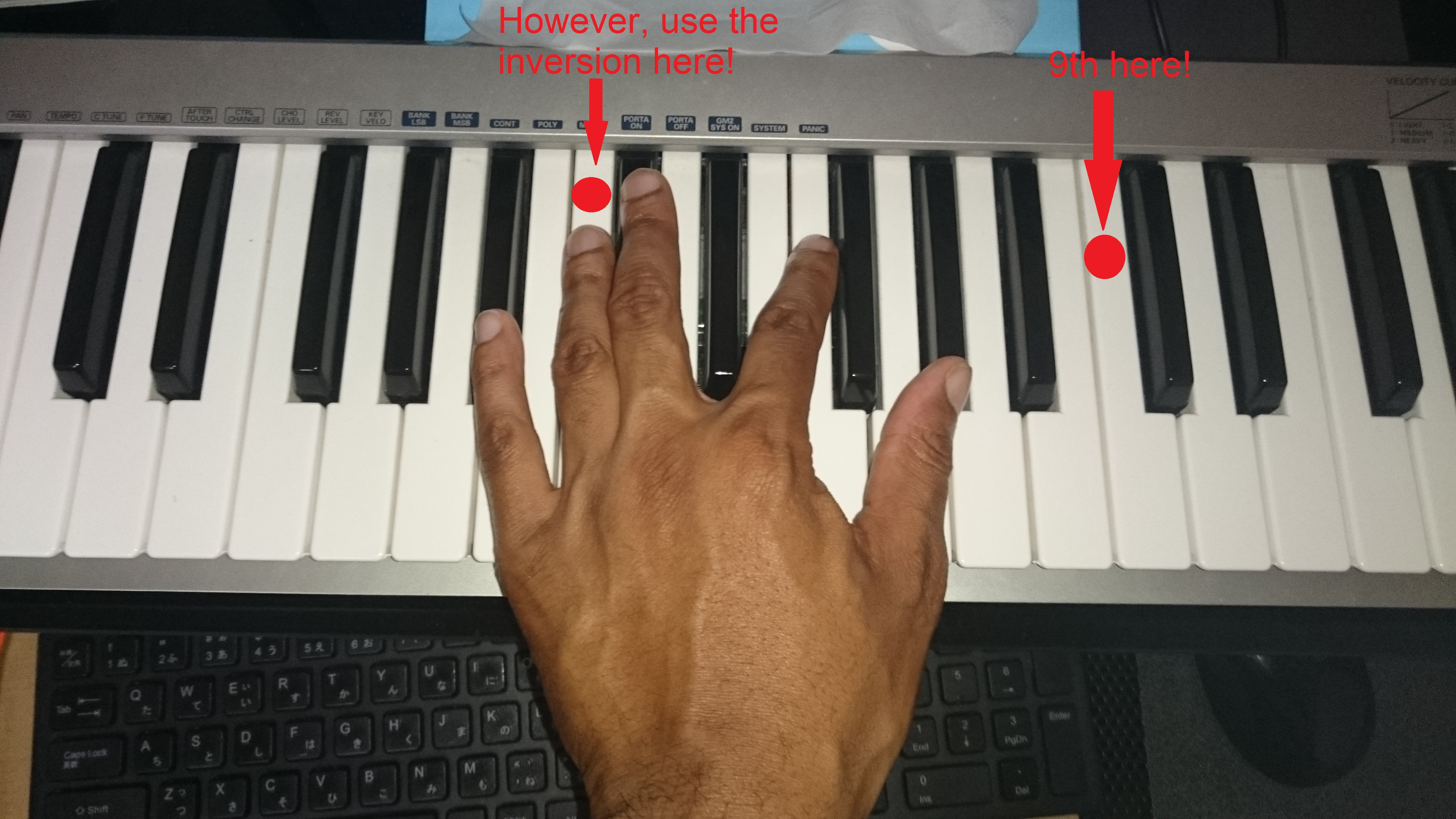 Ru0026B Piano tutorial - playing 9ths with one hand - Soulful Keys - Neo Soul and Ru0026B Production
